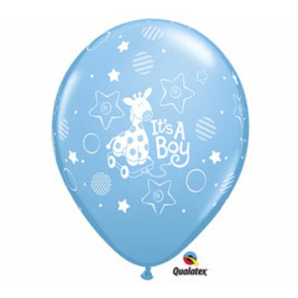Zsiráfos kisfiú érkezett héliumos lufi